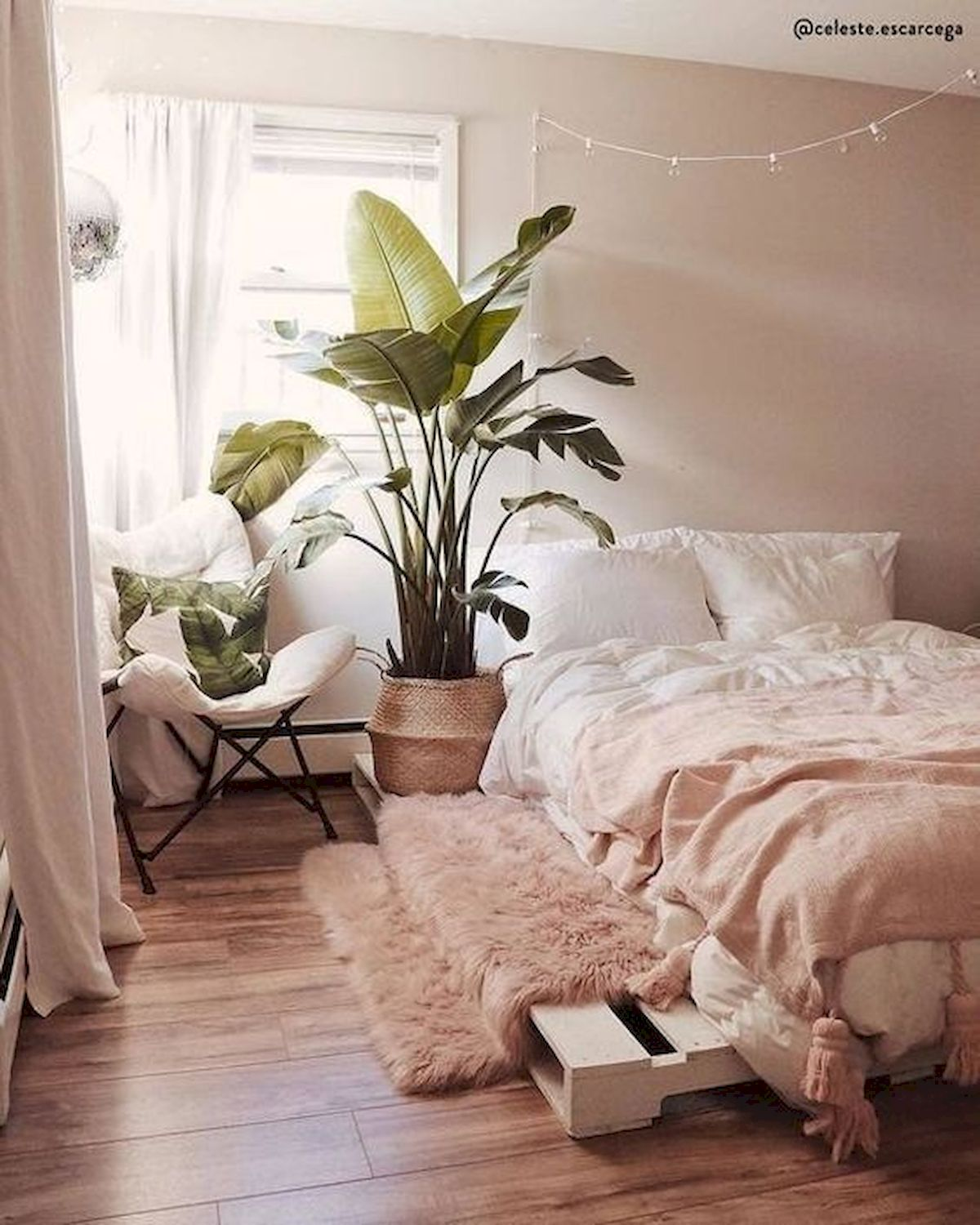 30 Cozy Fall Decoration Ideas For Your Bedroom (12)