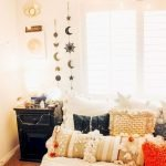 30 Cozy Fall Decoration Ideas For Your Bedroom (17)