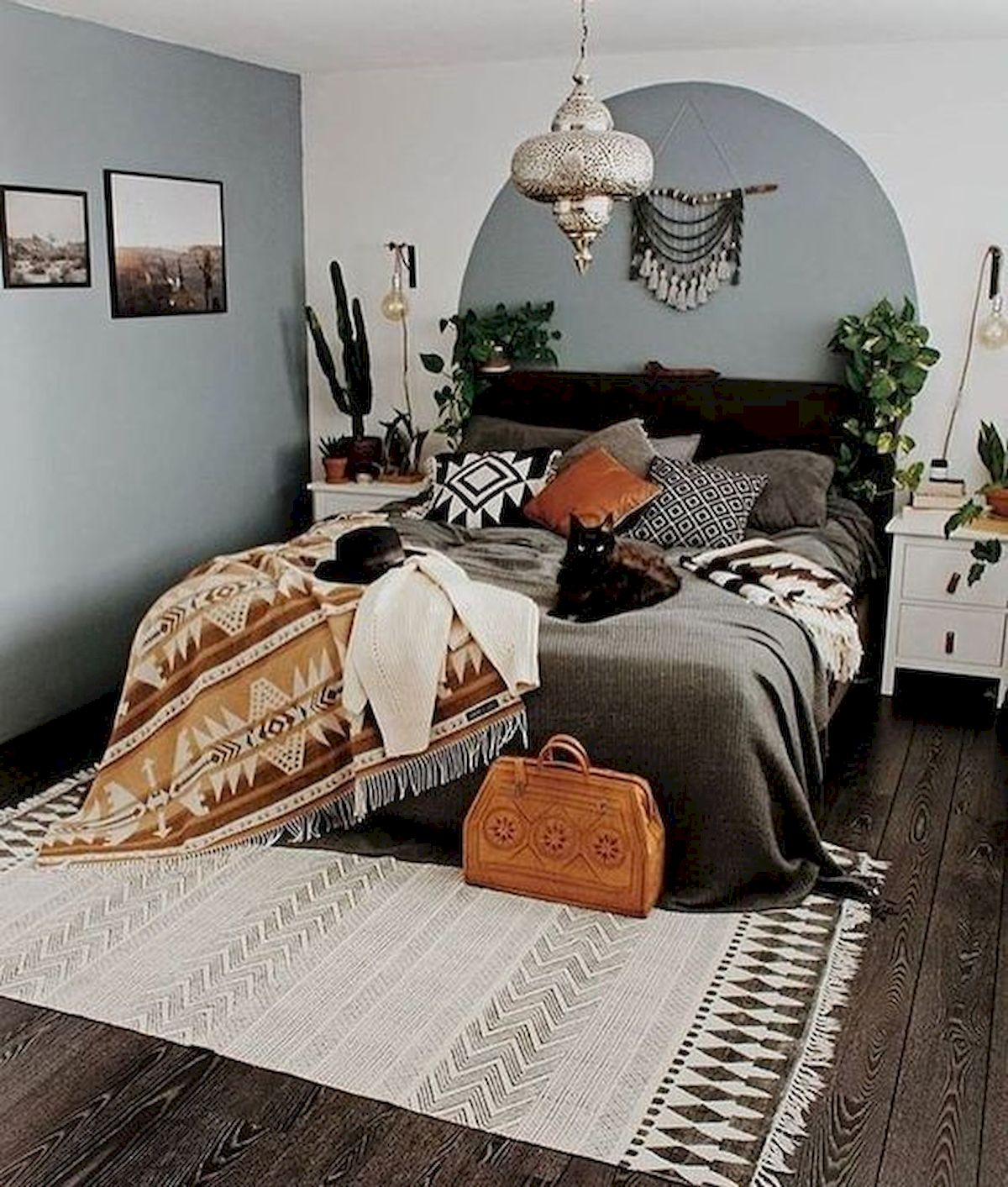 30 Cozy Fall Decoration Ideas For Your Bedroom (21)