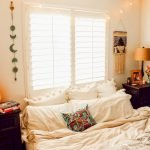 30 Cozy Fall Decoration Ideas For Your Bedroom (24)