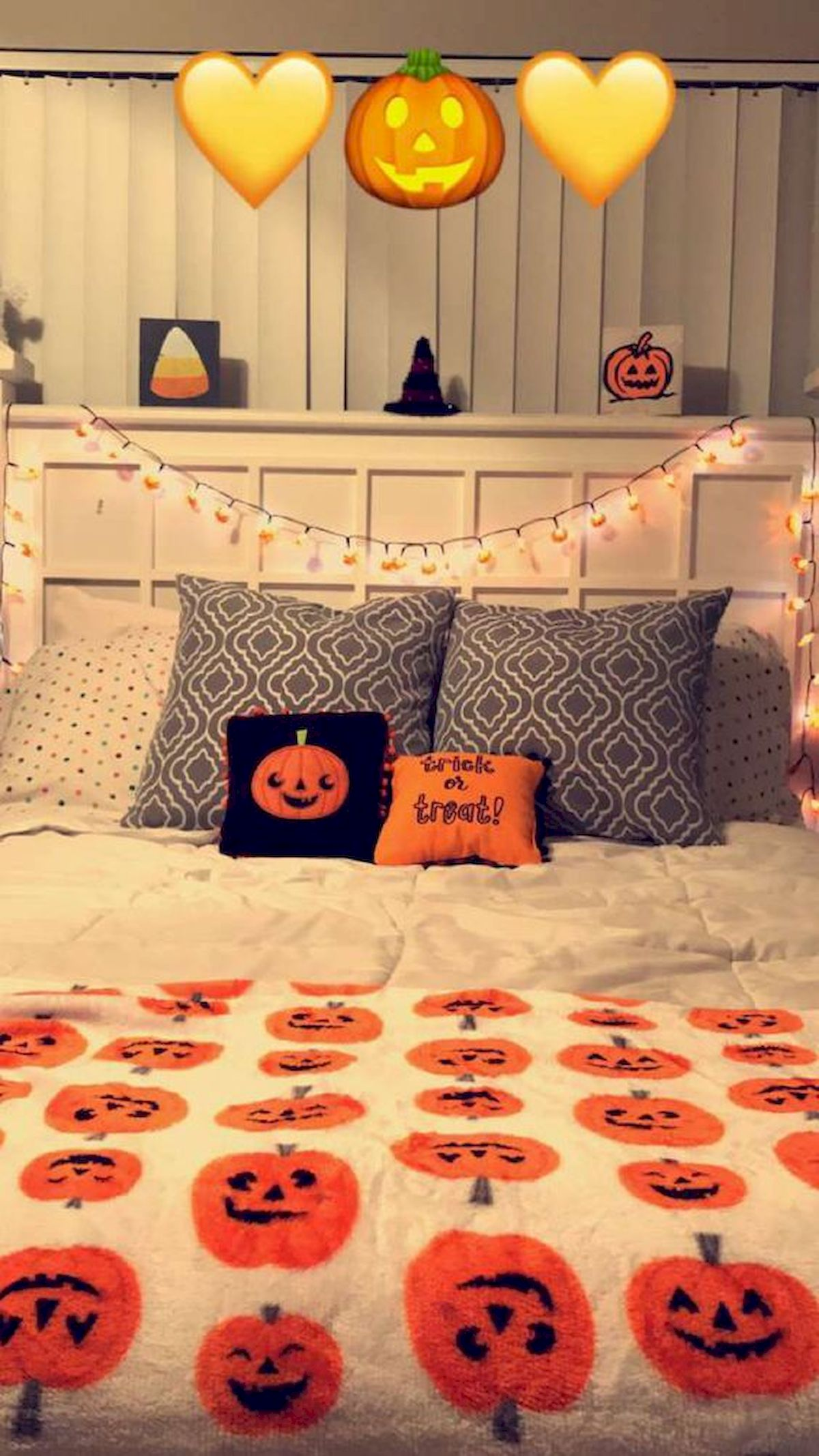 30 Cozy Fall Decoration Ideas For Your Bedroom (29)