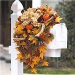 35 Cool Fall Outdoor Decor Ideas You Will Like (12)