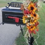 35 Cool Fall Outdoor Decor Ideas You Will Like (19)