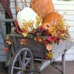 35 Cool Fall Outdoor Decor Ideas You Will Like (24)