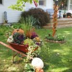 35 Cool Fall Outdoor Decor Ideas You Will Like (5)