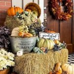 35 Cool Fall Outdoor Decor Ideas You Will Like (6)
