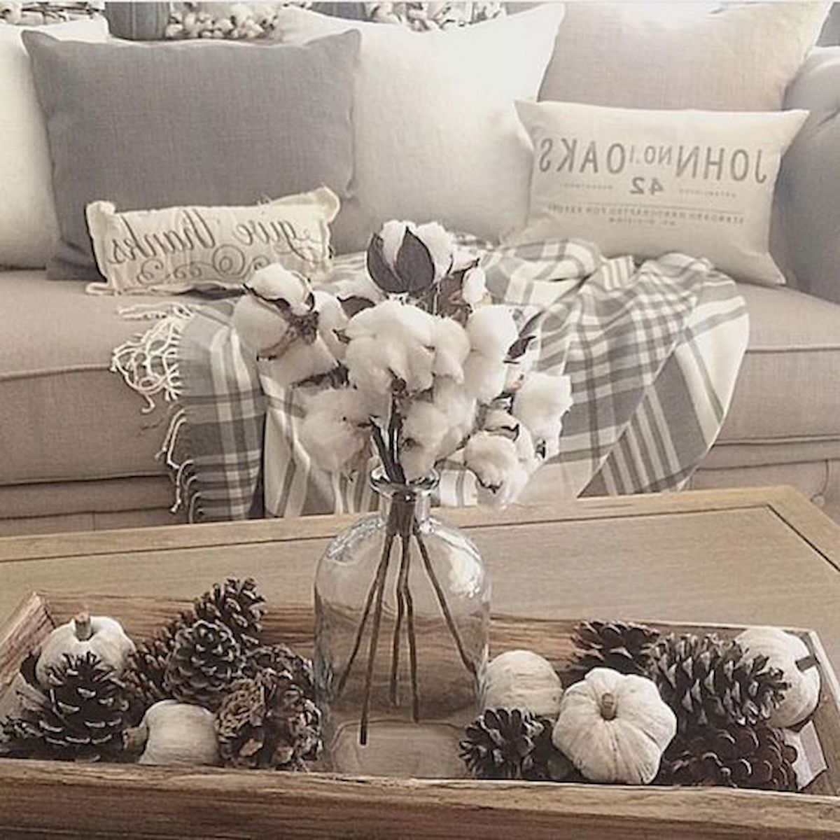 40 Awesome Fall Decoration Ideas For Living Room (1)