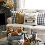 40 Awesome Fall Decoration Ideas For Living Room (33)