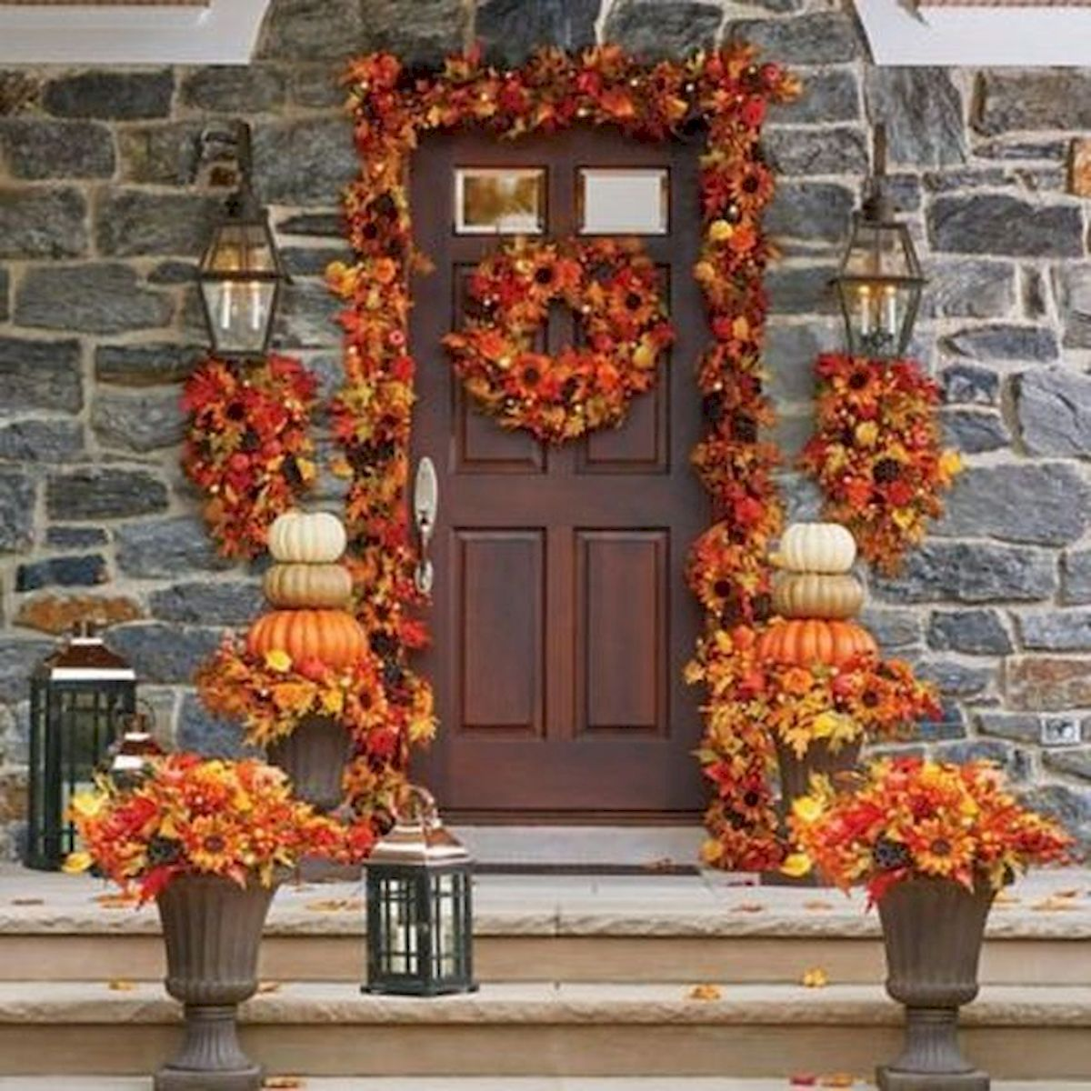 40 Beautiful Fall Front Porch Decorating Ideas That Will Make Your Home Look Amazing (10)