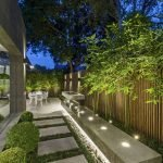40 Fabulous Modern Garden Designs Ideas For Front Yard And Backyard (37)