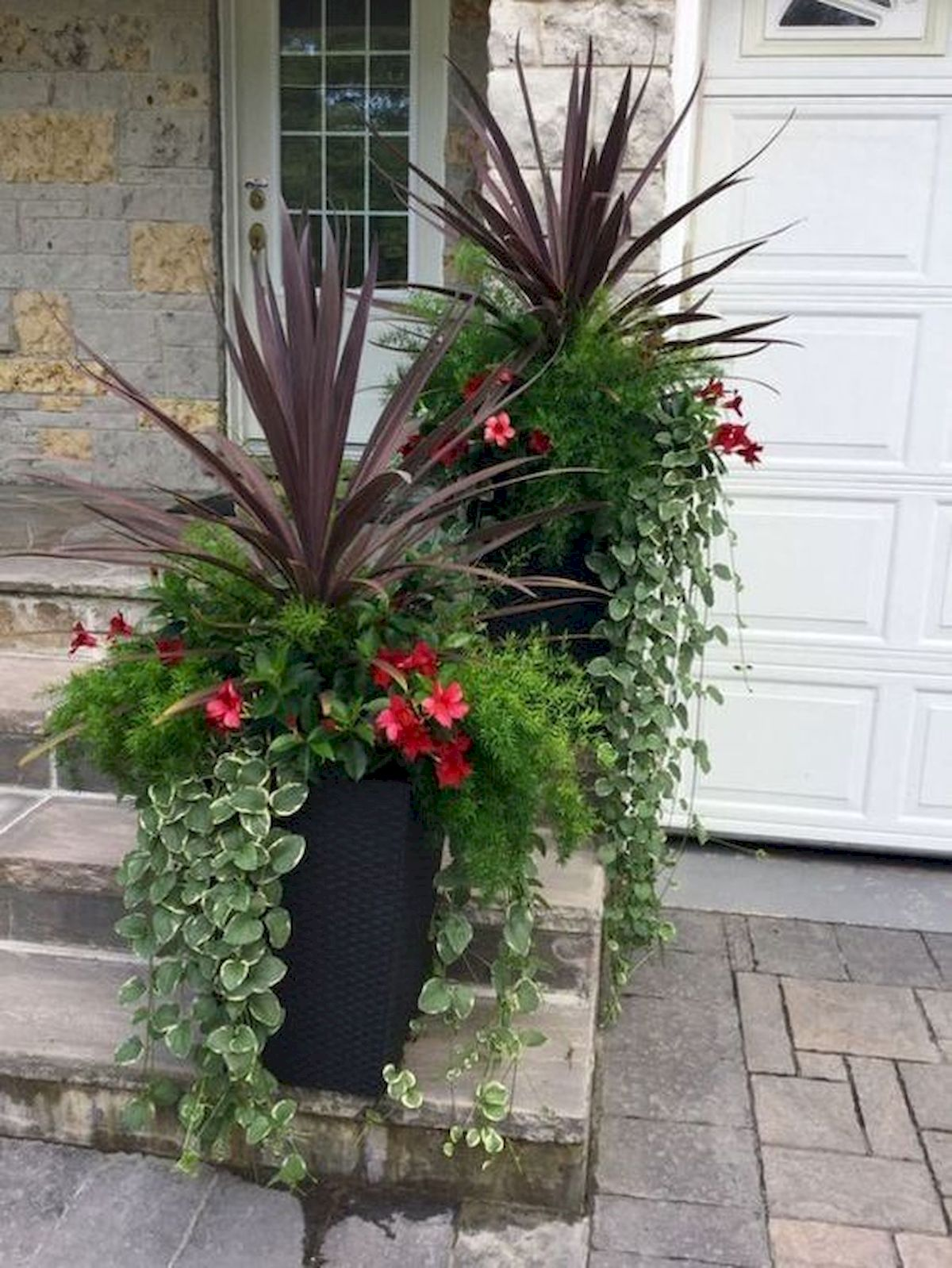 20 Awesome Planter Ideas for Your Front Porch (1)