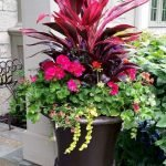 20 Awesome Planter Ideas for Your Front Porch (4)