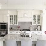 25 Fabulous Quartz Backsplash Kitchen Ideas (13)