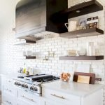 25 Fabulous Quartz Backsplash Kitchen Ideas (23)