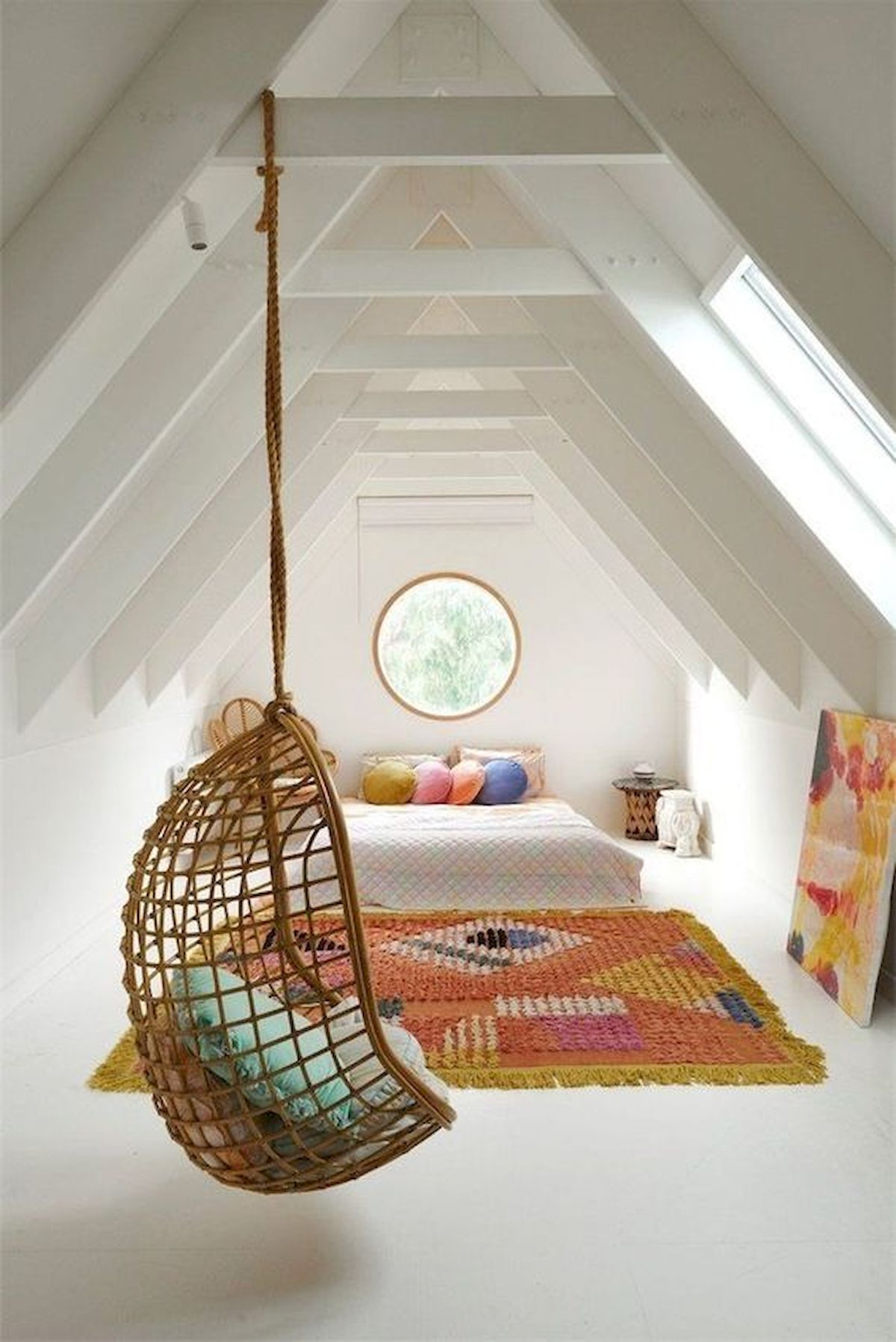 40 Awesome Attic Bedroom Design and Decorating Ideas (20)
