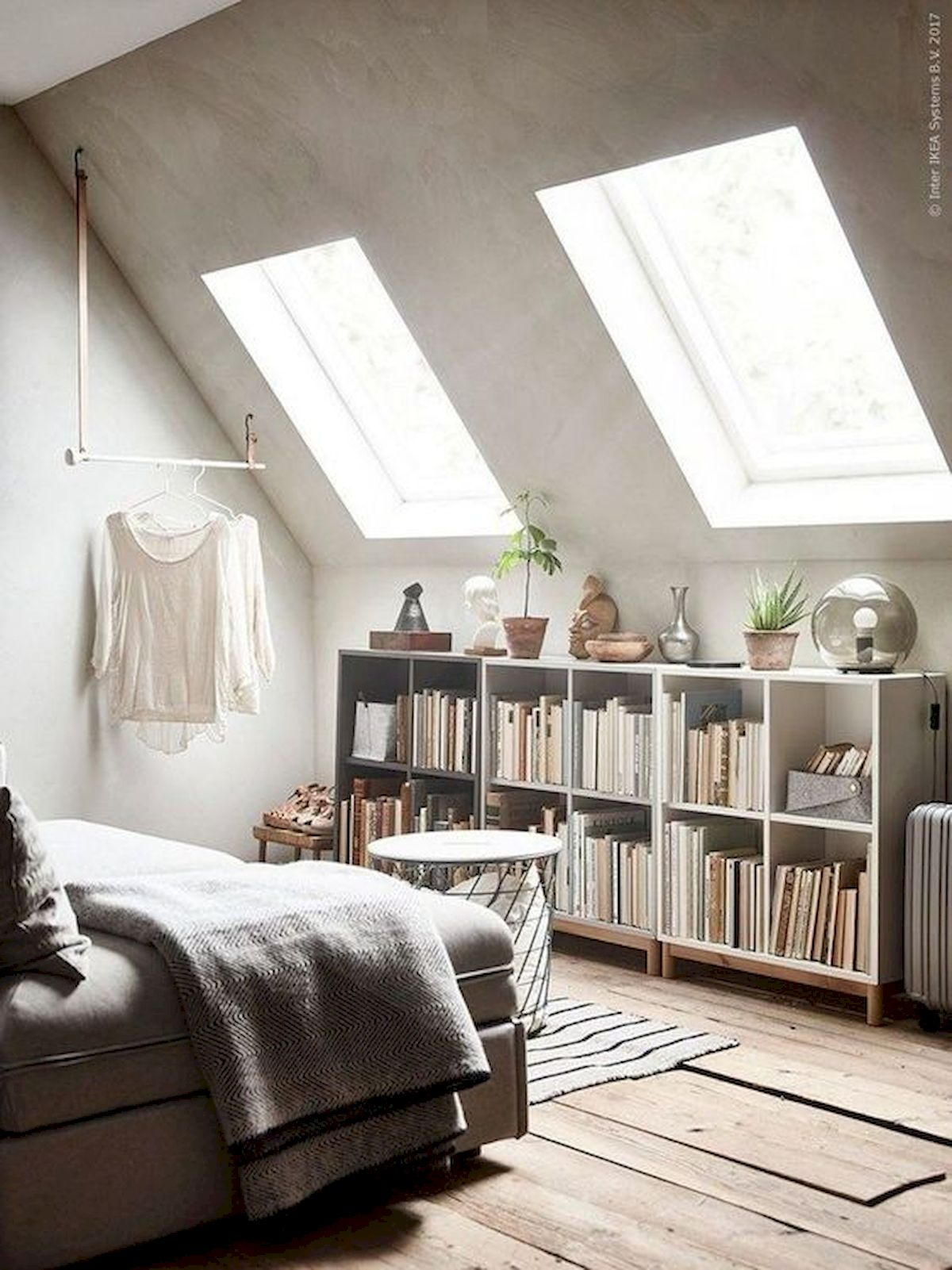 40 Awesome Attic Bedroom Design and Decorating Ideas (23)