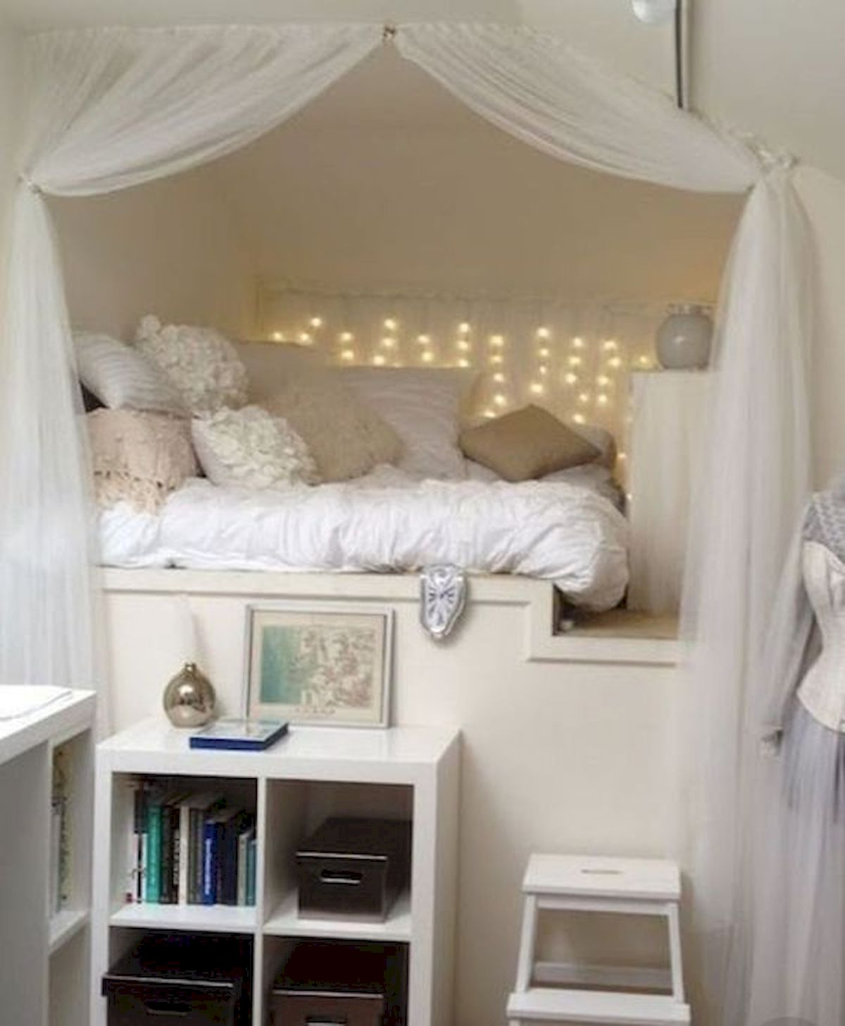 40 Awesome Attic Bedroom Design and Decorating Ideas (28)