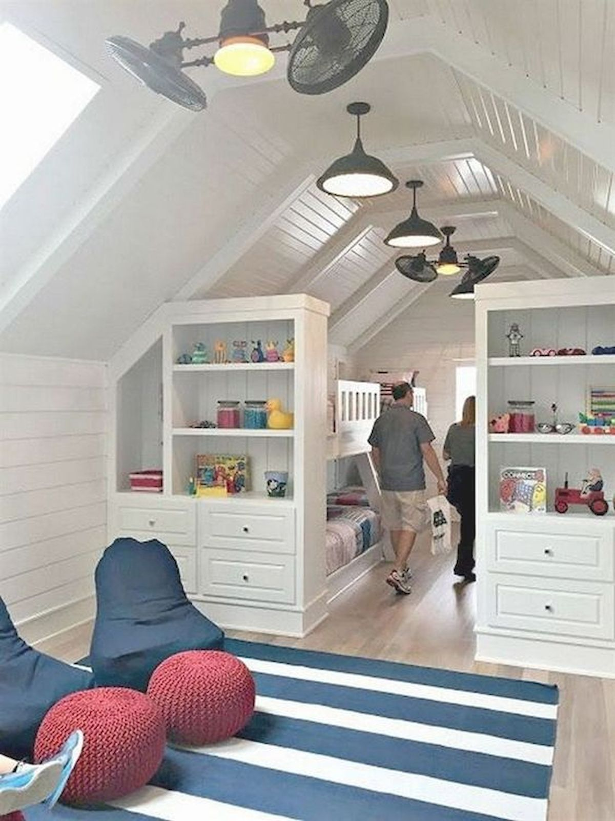 40 Awesome Attic Bedroom Design and Decorating Ideas (4)