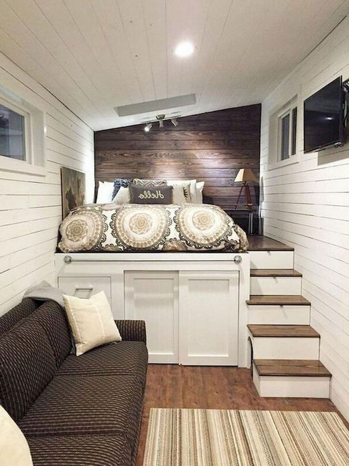 40 Awesome Attic Bedroom Design and Decorating Ideas (5)