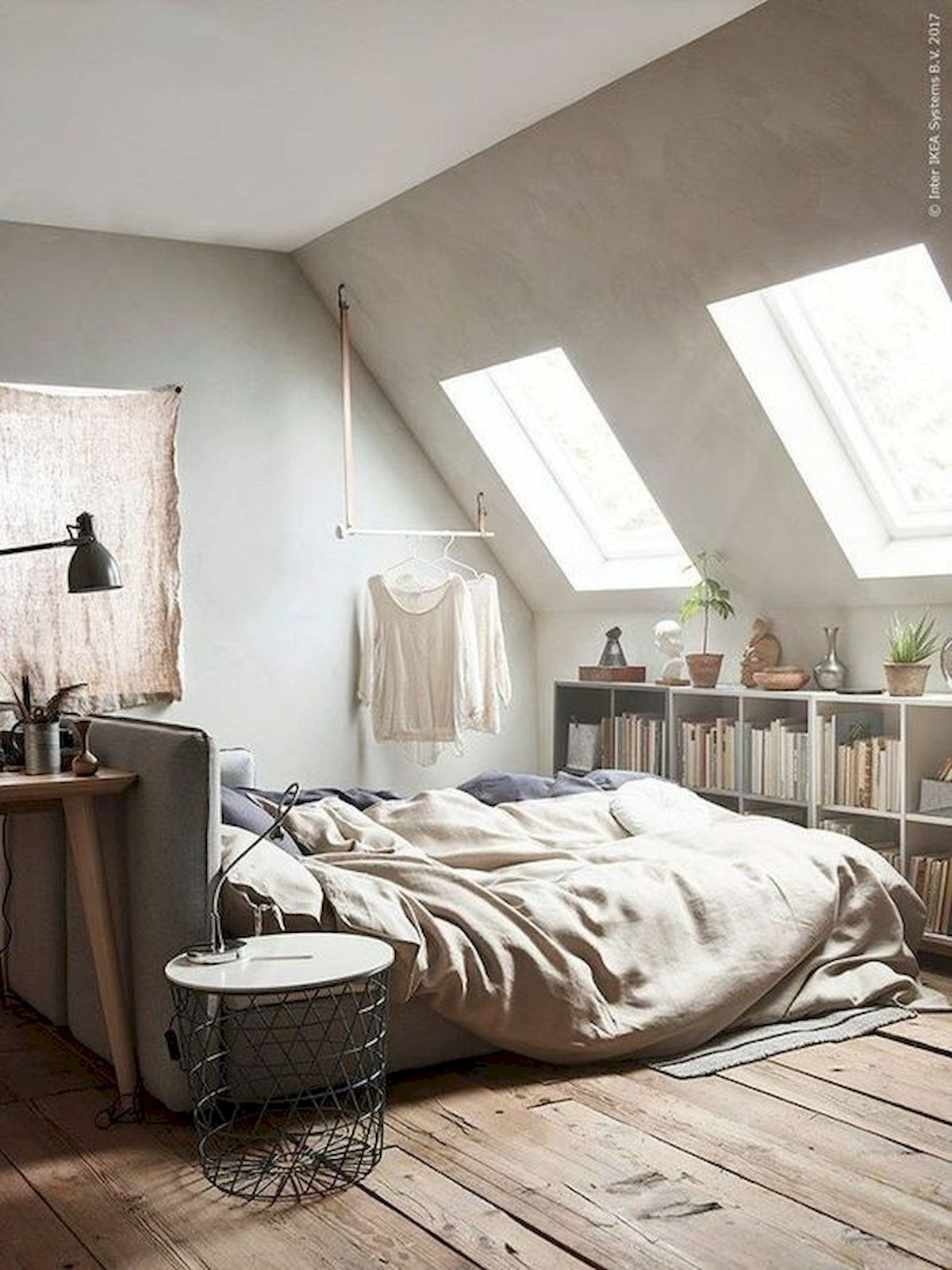 40 Awesome Attic Bedroom Design and Decorating Ideas (8)