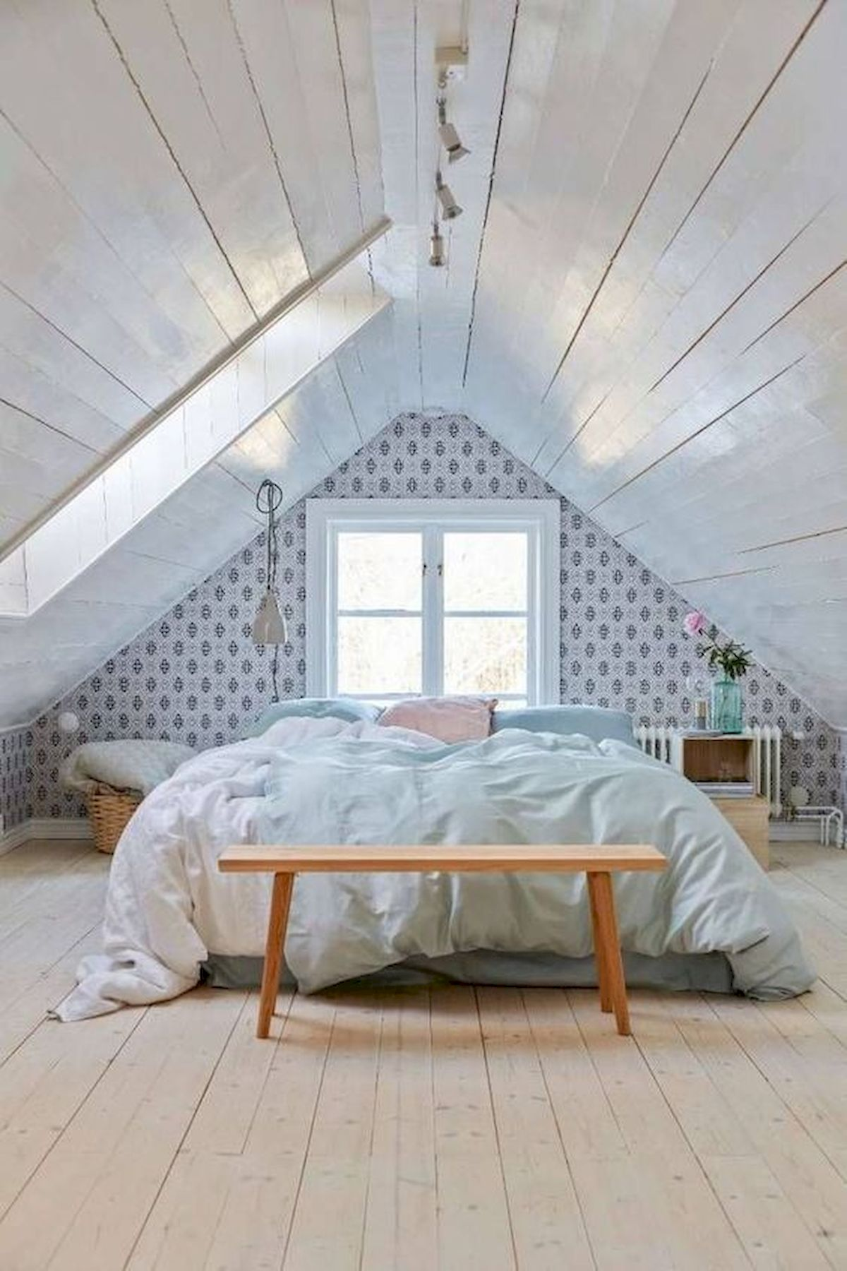 40 Awesome Attic Bedroom Design and Decorating Ideas (9)