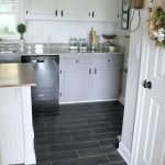 40 Best Tile Flooring Designs Ideas For Modern Kitchen (20)