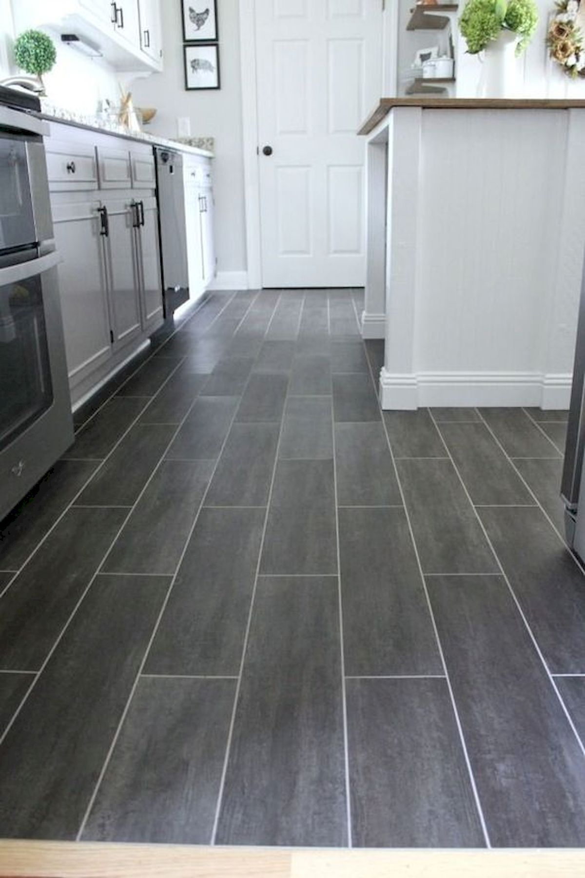 40 Best Tile Flooring Designs Ideas For Modern Kitchen (23)