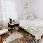 20 Best Boho Farmhouse Bedroom Decor Ideas (16)