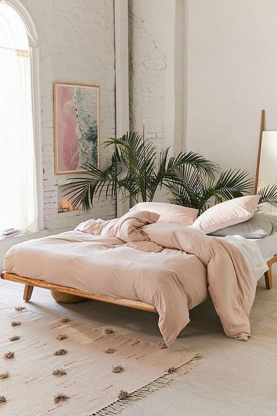 20 Best Boho Farmhouse Bedroom Decor Ideas (3)