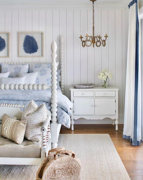 20 Best Coastal Farmhouse Bedroom Decor Ideas (3)