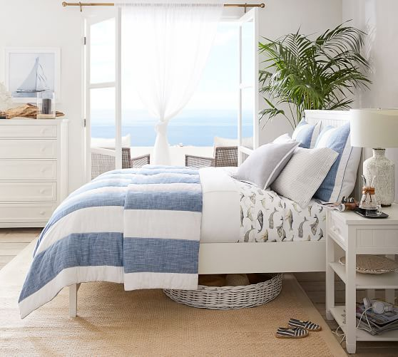 20 Best Coastal Farmhouse Bedroom Decor Ideas (6)