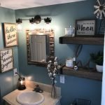 20 Best Farmhouse Bathroom Lighting Decor Ideas (12)