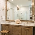 20 Best Farmhouse Bathroom Lighting Decor Ideas (20)