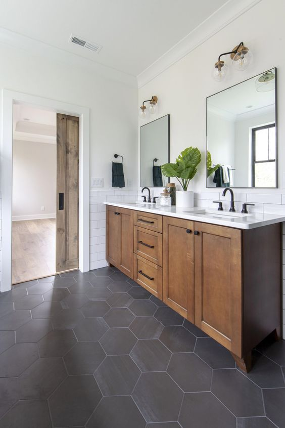 20 Best Farmhouse Bathroom Lighting Decor Ideas (5)