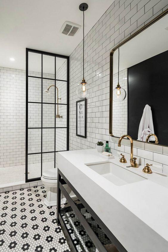 20 Best Farmhouse Bathroom Lighting Decor Ideas (9)