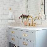 20 Best Farmhouse Bathroom Tile Decor Ideas (10)
