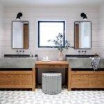 20 Best Farmhouse Bathroom Tile Decor Ideas (20)