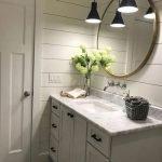 20 Best Farmhouse Bathroom Tile Decor Ideas (5)
