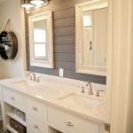 20 Best Farmhouse Bathroom Tile Decor Ideas (7)