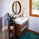 20 Best Farmhouse Bathroom Vanity Decor Ideas (11)