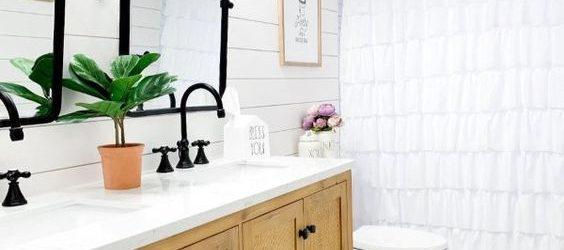 20 Best Farmhouse Bathroom Vanity Decor Ideas (13)