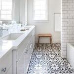 20 Best Farmhouse Bathroom Vanity Decor Ideas (14)