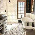 20 Best Farmhouse Bathroom Vanity Decor Ideas (15)