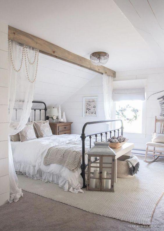 20 Best Farmhouse Bedroom Decor Ideas (1)