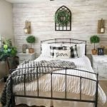 20 Best Farmhouse Bedroom Decor Ideas (11)