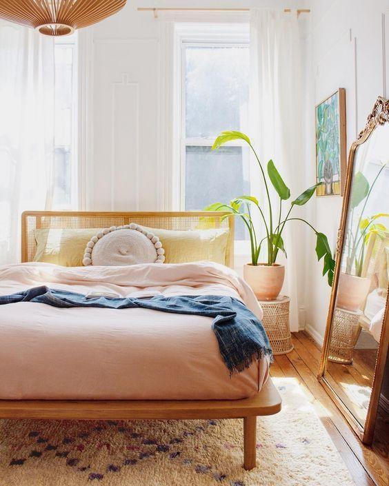 20 Best Farmhouse Bedroom Decor Ideas (8)