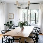 20 Best Farmhouse Dining Room Lighting Decor Ideas (5)