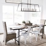 20 Best Farmhouse Dining Room Lighting Decor Ideas (7)
