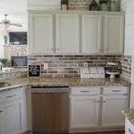 20 Best Farmhouse Kitchen Backsplash Decor Ideas (1)