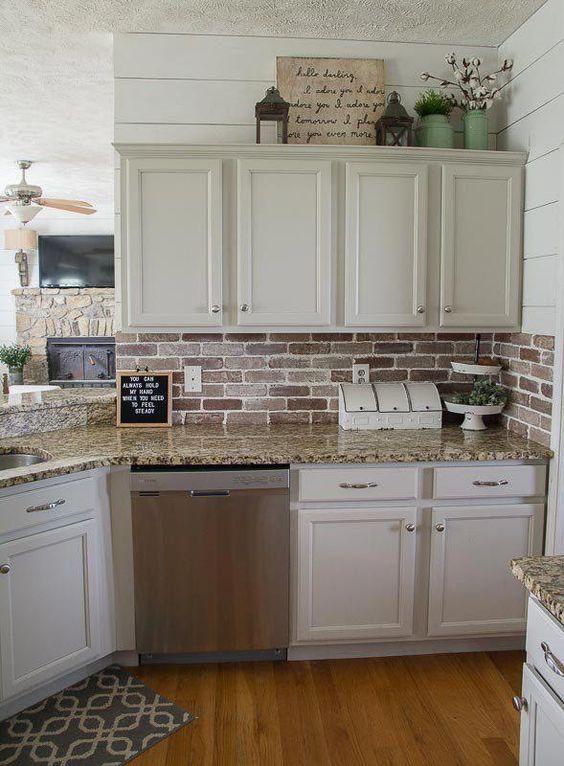 20 Best Farmhouse Kitchen Backsplash Decor Ideas (1)